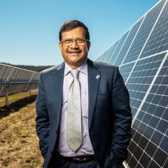 An image of Professor Tapan Saha at the UQ Warwick Solar Farm.